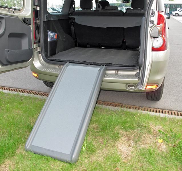 einteilige hunderampe pkw einstiegshilfe auto hunde rampe. Black Bedroom Furniture Sets. Home Design Ideas
